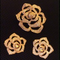 "ELIZABETH TAYLOR Комплект ""Pave Crystal Rose Collection"""